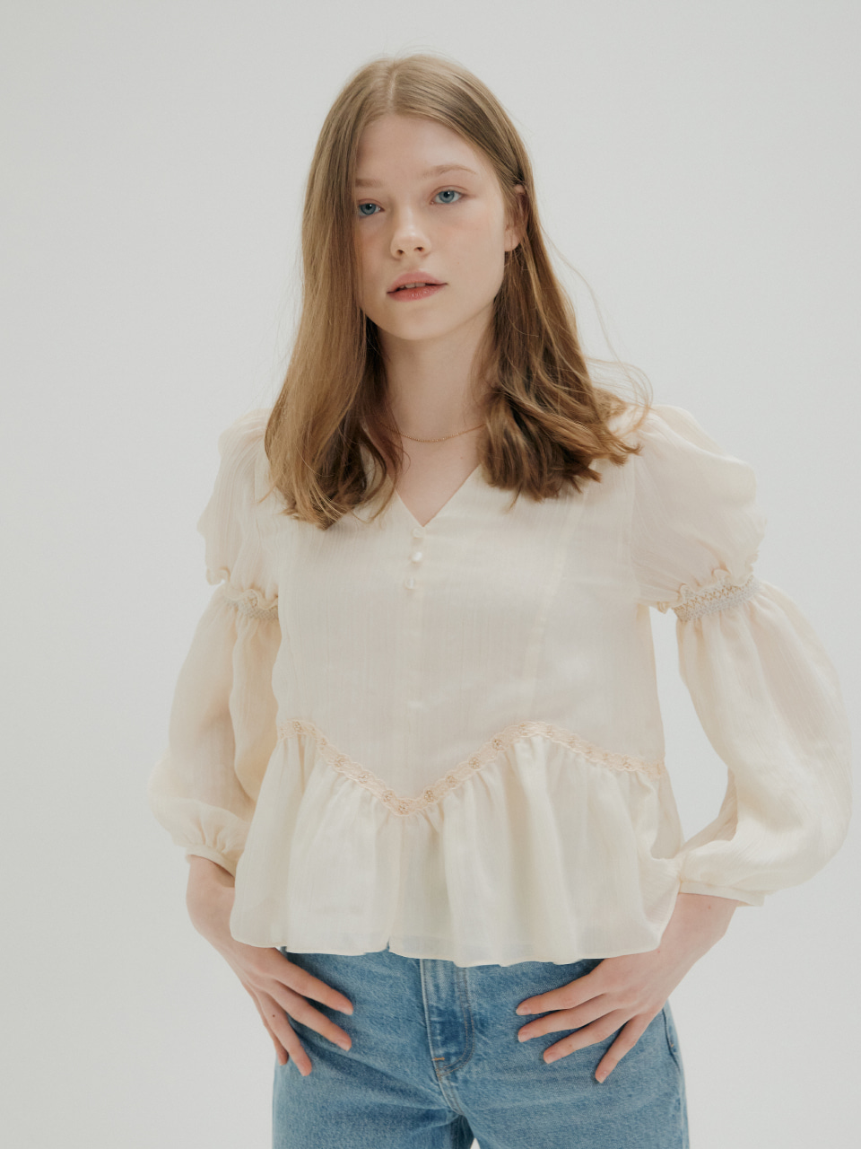 LACE SMOKE SHIRRING BLOUSE_IVORY